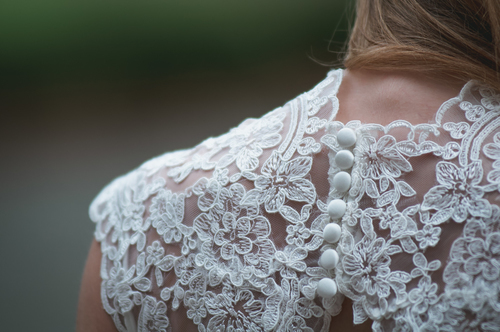 Lace dress and buttons