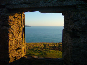 Sea viewed from the stone window