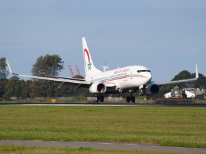 Royal Air Maroc Boeing 737 landing at Schiphol