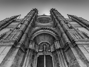 Church's facade in black and white