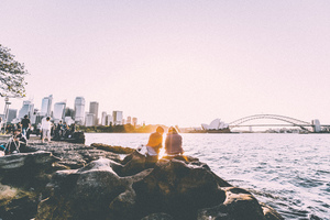 Clear skies by Sydney Harbor