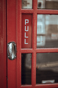 Door with ''pull'' sign