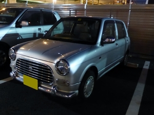 Daihatsu Mira Gino L700S at night
