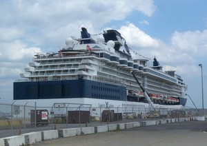 Celebrity Summit Ship